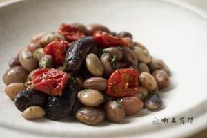 新豆ミックスビーンズの豆サラダ